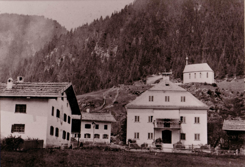 Haus mit Ölberg 2